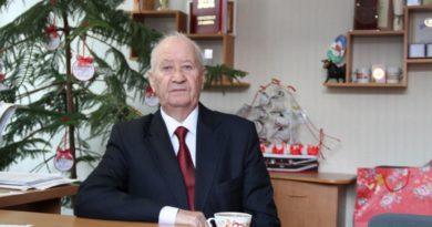 Почетный гражданин Анатолий Кыштымов