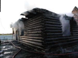 В Таушканском пожар