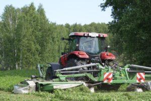 сельхозпредприятия заготавливают корма
