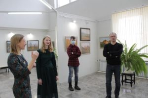 В ДШИ выставка