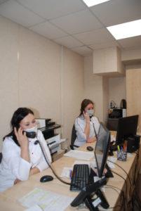 В ковидном кол-центре в день принимают от 40 до 100 звонков