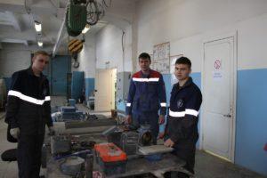 Н. Сафронов и М. Бугаев с наставником А. Копыриным (в центре)