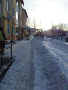 Очистка дворов от снега