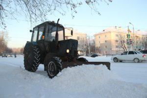 В Сухом Логу уборка снега