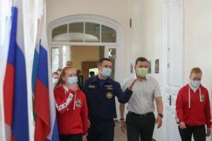 Губернатор посетил Дом добровольцев