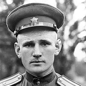 Степану Неустроеву