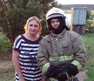 Александра Мальцева с одним из своих спасителей