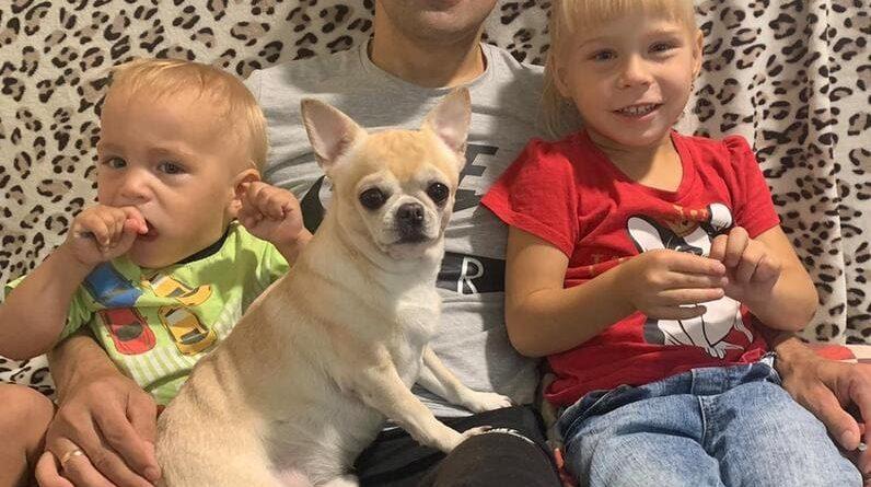 Илья Коротаев с приемными детьми Левой и Настей