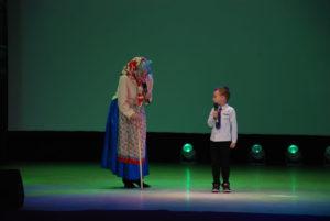 В конкурсе приняли участие четыре бабушки вместе с внуками